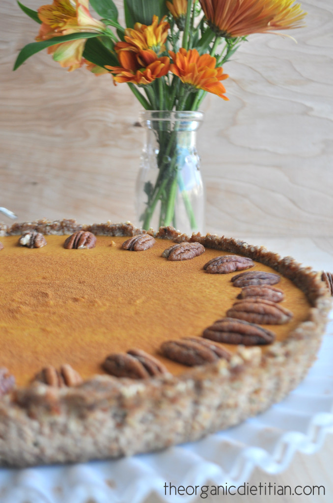 No Bake Pumpkin Pie (Gluten Free, Dairy Free, Vegan Options)
