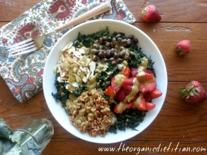 strawberry kale salad with avocado balsamic 3