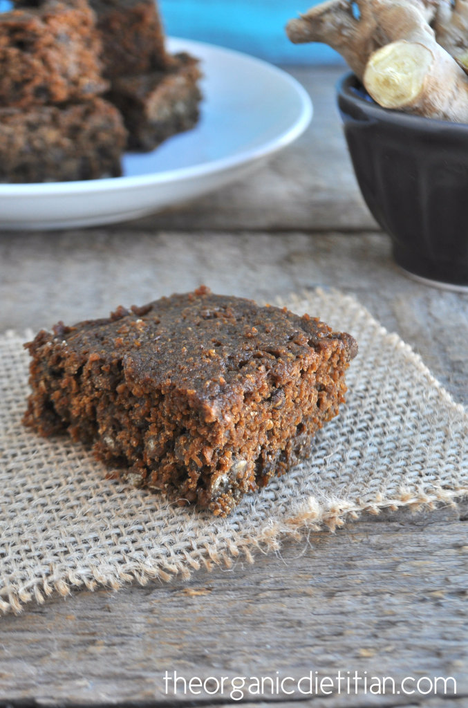 The Best Healthy Gingerbread Cake 3