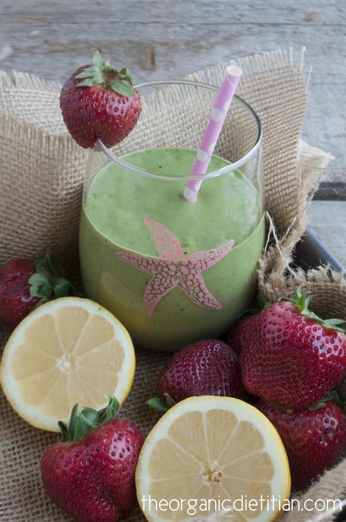 Strawberry Lemonade Green Smoothie