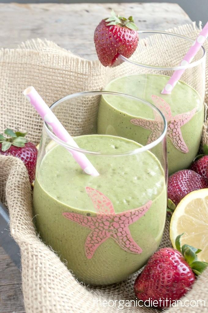 Strawberry-Lemonade-Green-Smoothie-4-680x1024
