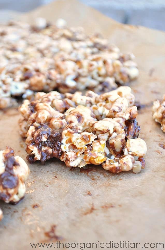 Pull Apart Chocolate Pecan Popcorn